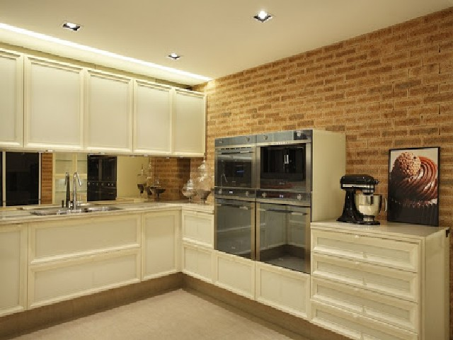Cozinha Planejada Roma Mobili Armário Branco Em Parede De Tijolo