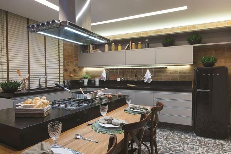 Bancadas Com Granito Preto Absoluto Em Cozinha Rústica3