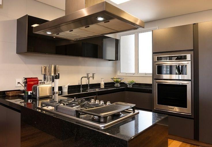 Bancadas Com Granito Preto Absoluto Em Cozinha Rústica4