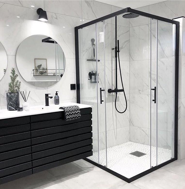 Banheiros Em Preto E Branco1