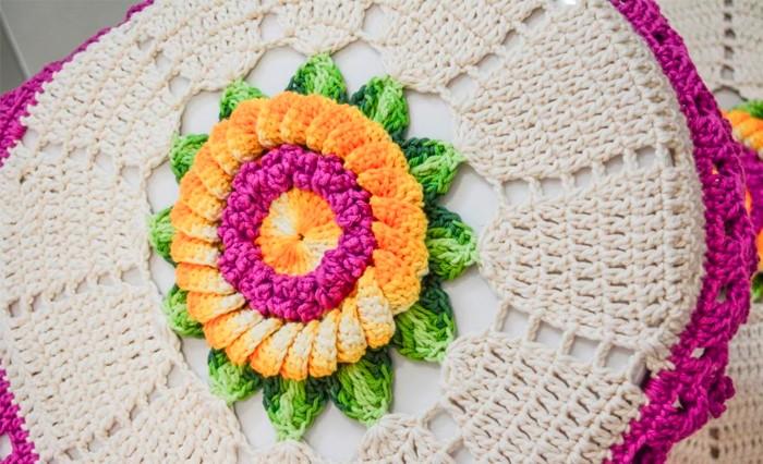crochê no banheiro com flores7