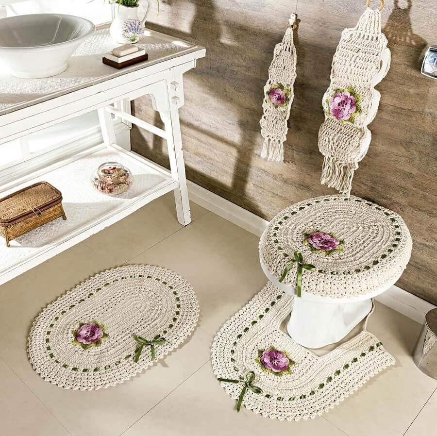 crochê no banheiro com flores9