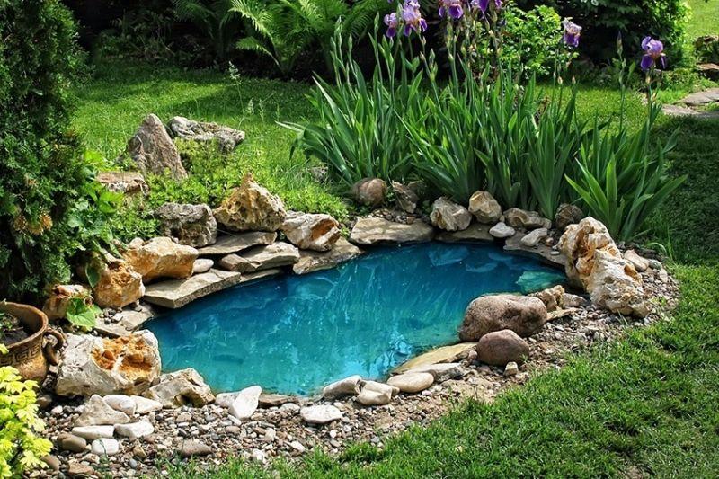 Canais De água Em Jardins Com Pedras (2)