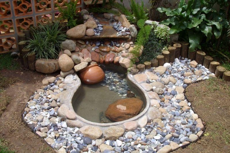 Canais De água Em Jardins Com Pedras (5)