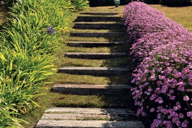 Escadarias Em Jardins Com Pedras (1)