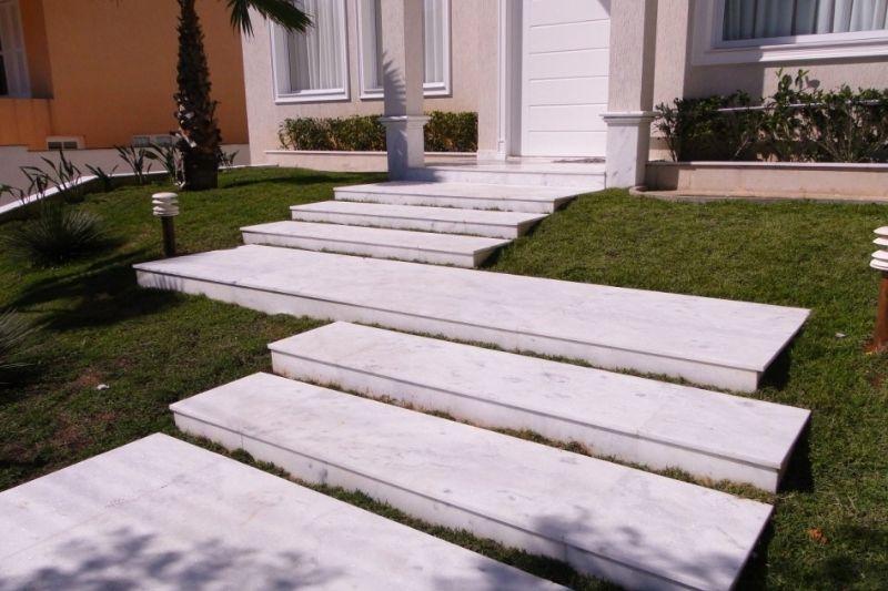 Escadarias Em Jardins Com Pedras (2)