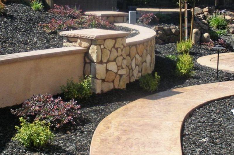 Jardim Com Pedras Grandes (2)