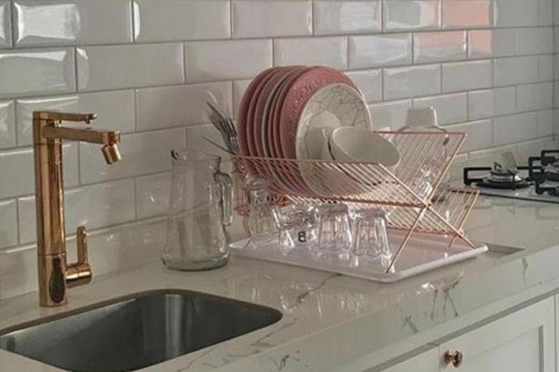 Torneiras De Bronze Em Cozinhas Rústicas (1)