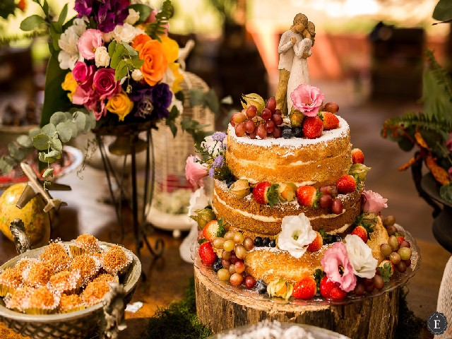 Bolo De Casamento Com Frutas