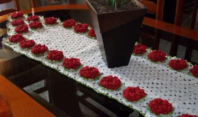 Caminho de Mesa com Flores – 7 Tipos e 50 Fotos!