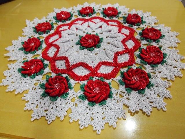 Caminho De Mesa Com Flores Pro Natal 4