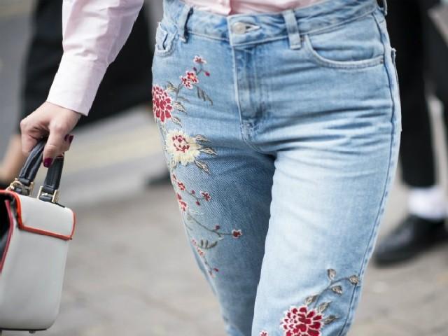Bordar Flores Em Calça Jeans