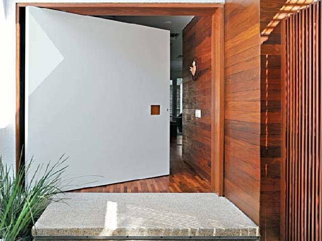 Fotos De Porta De Entrada De Madeira3