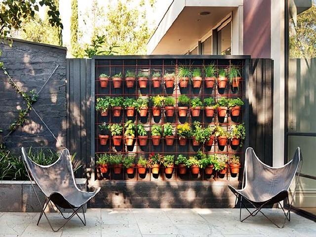 Vantagens De Usar Vasos Para Jardim Vertical4