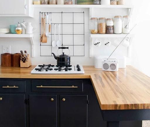Objetos Em Cozinha De Madeira9