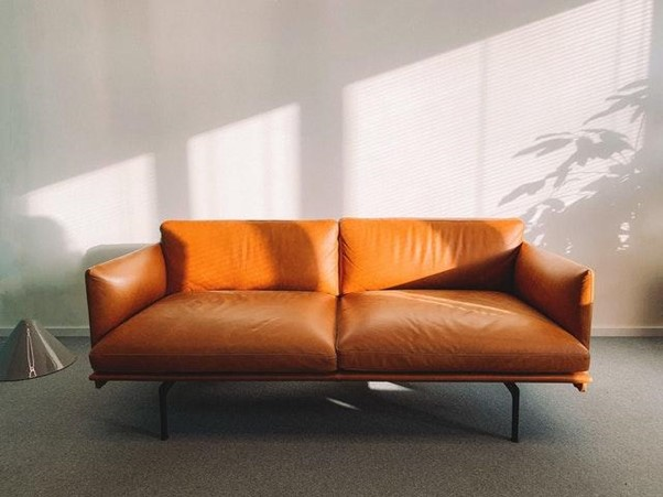 limpeza de sofa varia de acordo com revestimento